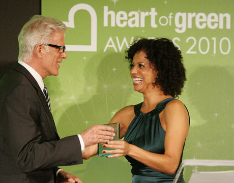ted danson and gloria reuben at heart of green awards 2010